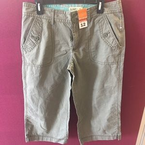 NWT Old Navy Capris Size12